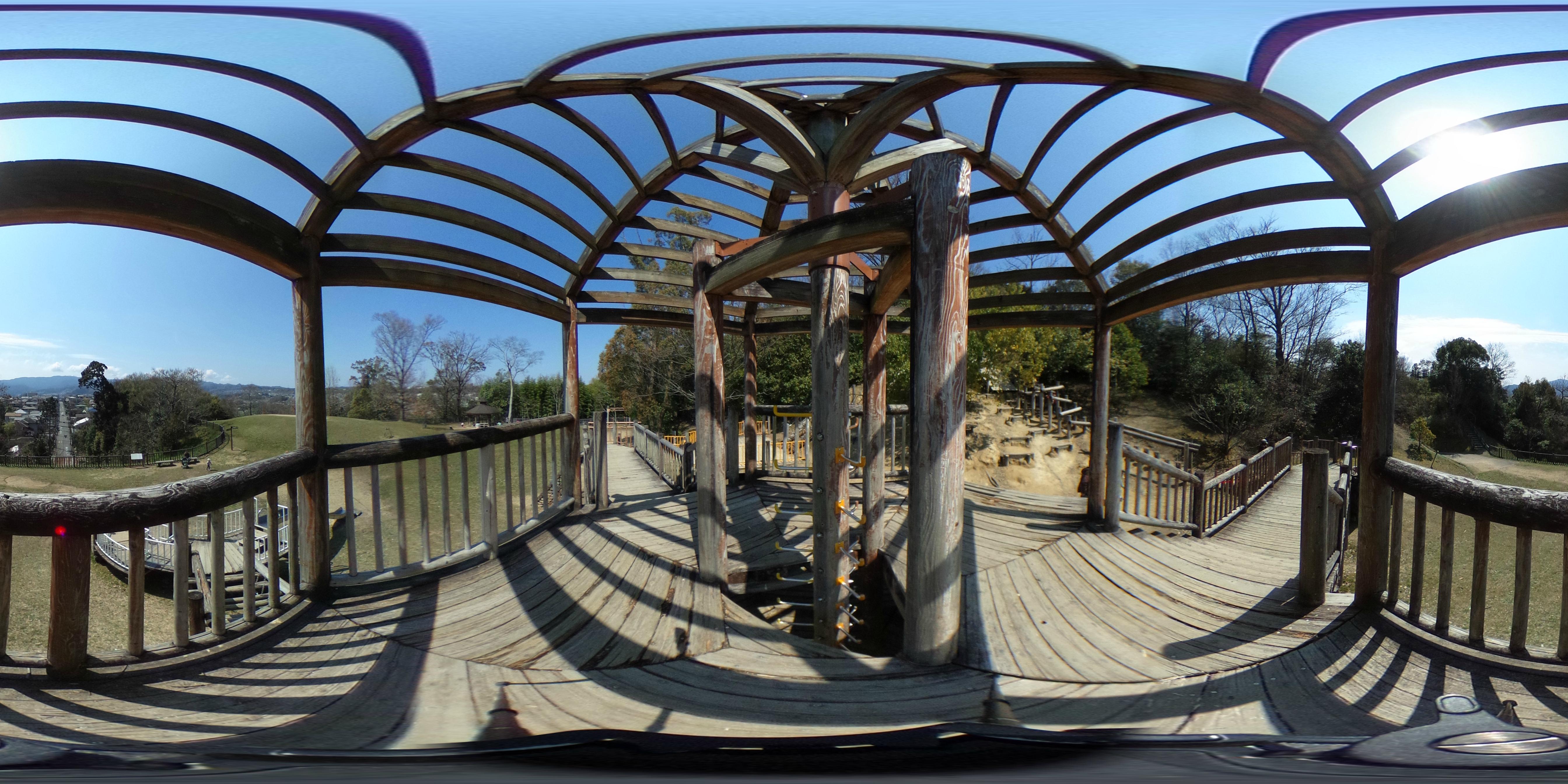 烏帽子形公園わんぱく広場のアスレチック遊具からの360度パノラマ画像