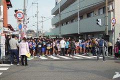 続いて5キロコースとジョギングコースがスタートに付きました。