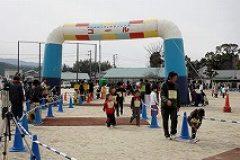 そうこうしているうちにゴール地点ではジョギングコースの参加者が次々ゴール!はやっ!